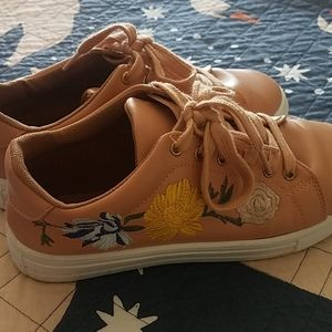 Qupid embroidered lace-up sneakers